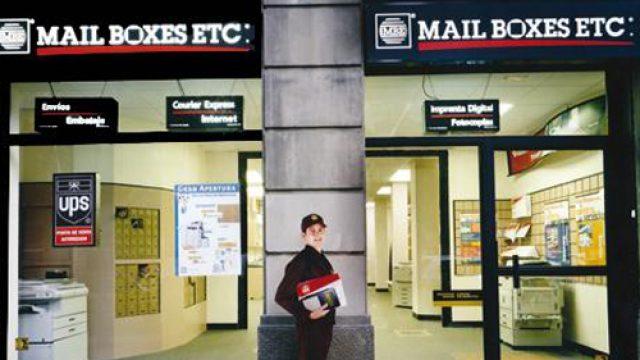 La franquicia Mail Boxes Etc celebra la apertura de un local en Cataluña
