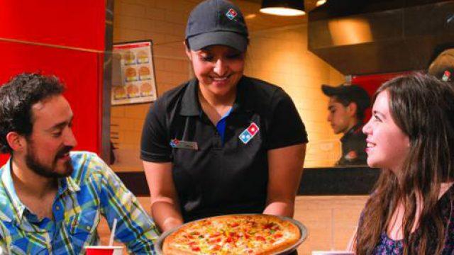 Cádiz abre una nueva pizzería de la franquicia Domino´s Pizza