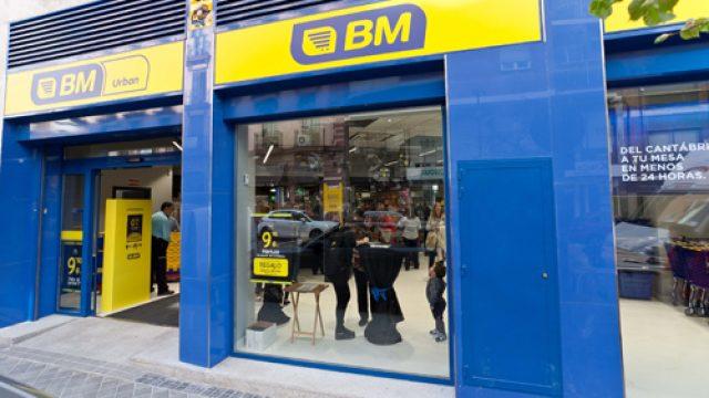 BM reforma su súpermercado más histórico de Zarauz (Guipúzcoa)